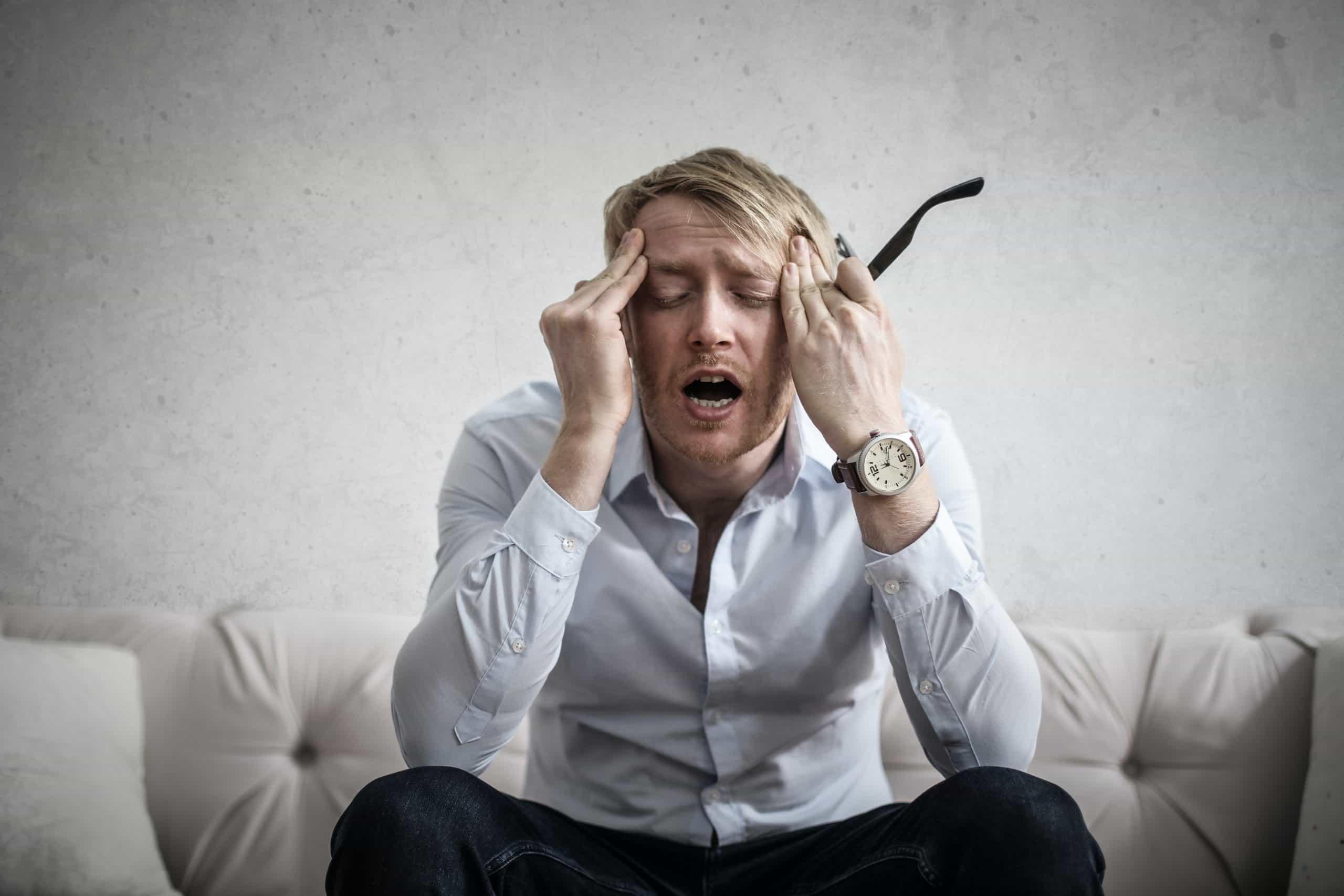 symptoms of a migraine attack